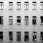 L'inquilina del piano di sotto [racconto]: condominio